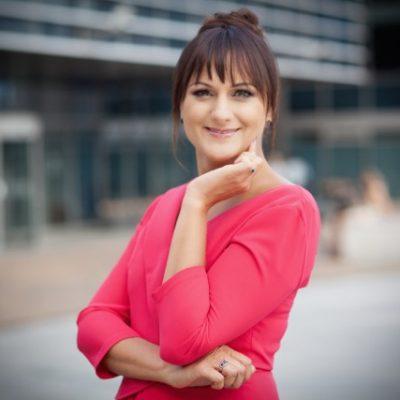 Inga Jablonskė  WoW University įkūrėja ir vadovė  inga@wowuniversity.org Tel. nr.: +37065280887